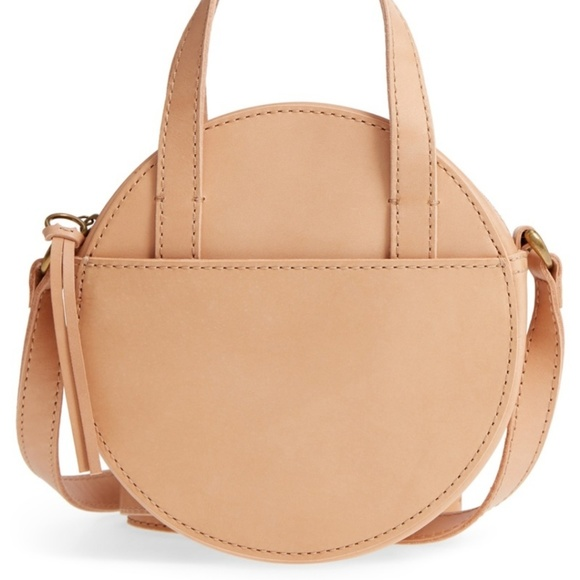 Madewell Handbags - NWT ✨ Madewell Juno Circle Bag in Natural Buff